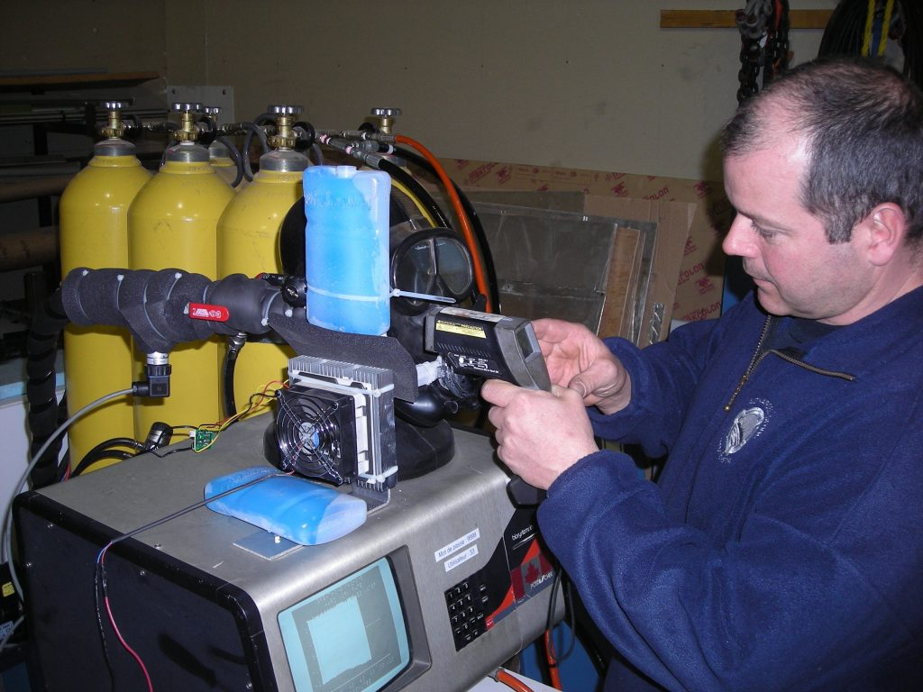 Study on the freezing conditions of the air distribution system of divers